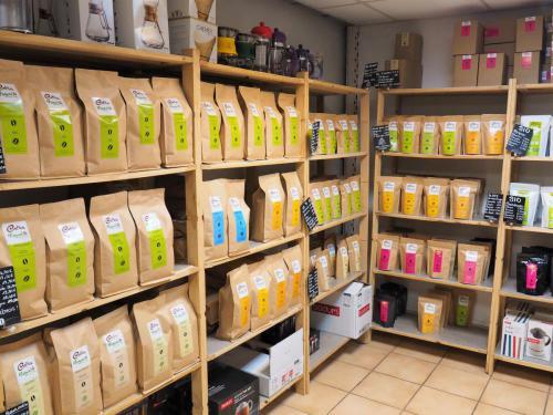 Les divers cafés, proposés à la vente dans la boutique de Champfleury