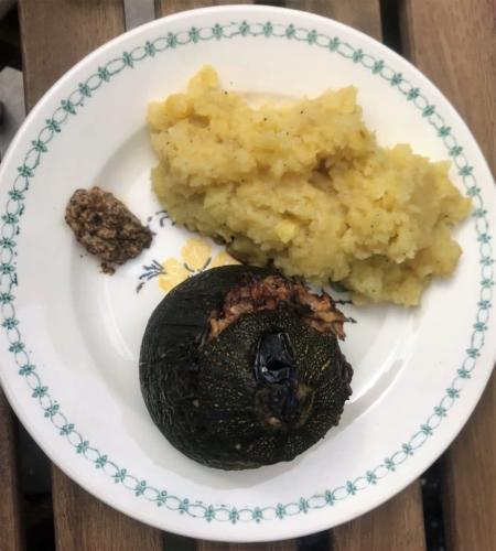 Courgettes rondes farcies et purée de pommes de terre