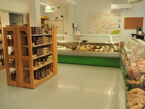 La boucherie et la charcuterie, servies par les producteurs eux-mêmes