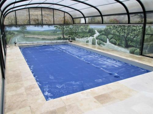 Fresque autour d'une piscine