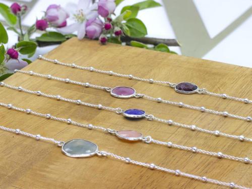 Bracelets pierres serties, chaîne boule