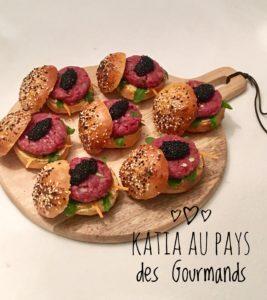 Mini-burgers de tartare de boeuf et caviar
